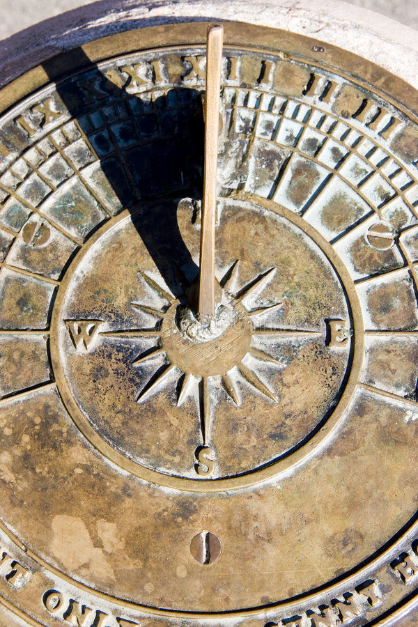 Free Sundial Royalty Free Stock Photos - 6251868