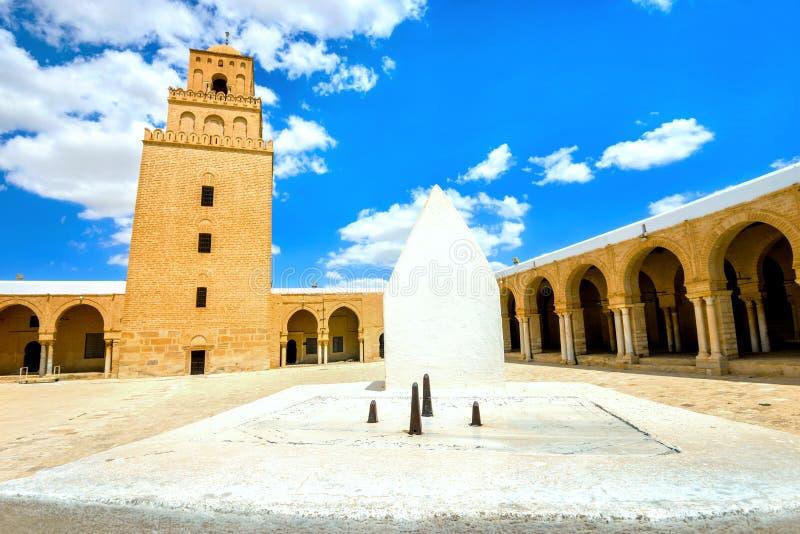 Sundial da grande mesquita em Kairouan Tunísia, Norte de África fotos de stock royalty free