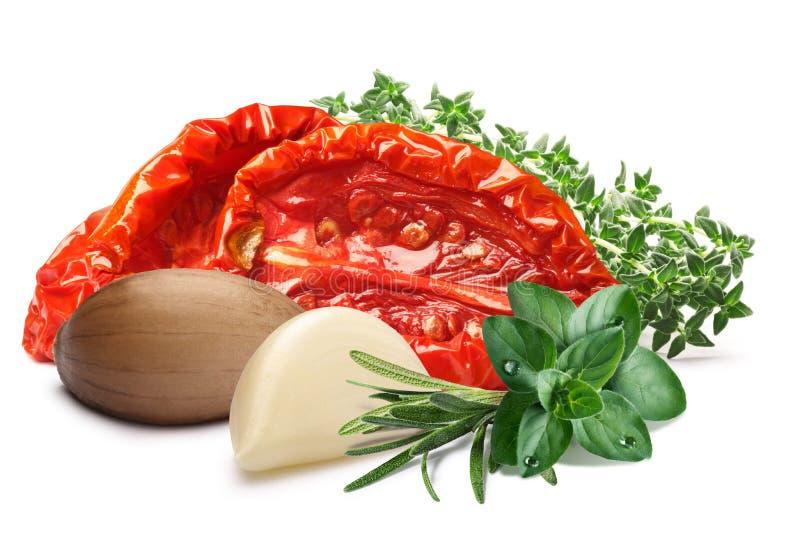 Sundried oliwiący pomidory z ziele, ścieżki zdjęcia royalty free