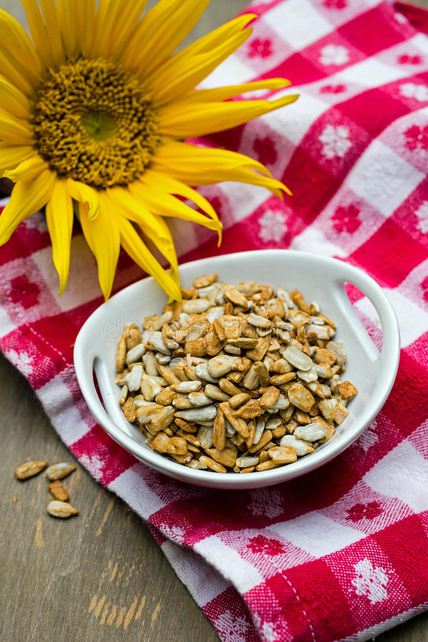Free Sunflower Seeds Stock Photo - 33369700