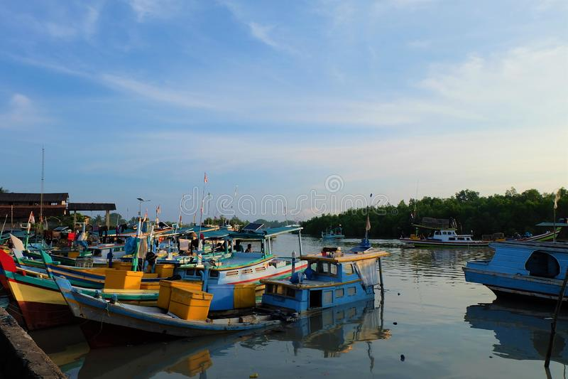 Sungailiat rybołówstwa port Bangka Belitung, Indonezja, - zdjęcia stock