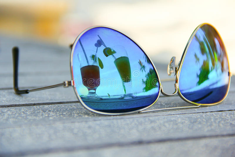 Sunglass coctails stock afbeeldingen