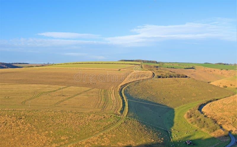 Sunlight and shadow on farmland, niedaleko Millington, Yorkshire Wolds, East Riding obrazy royalty free