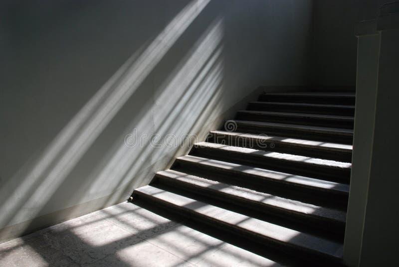 sunlit trappuppgång arkivfoton
