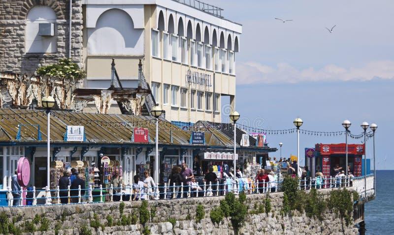 Sunny Day al Llandudno Pier Entrance, Llandudno, Galles, GB, Regno Unito fotografie stock