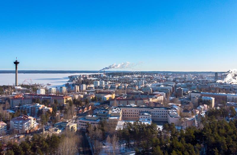 Sunny e Chilly Tampere, Finlândia imagens de stock