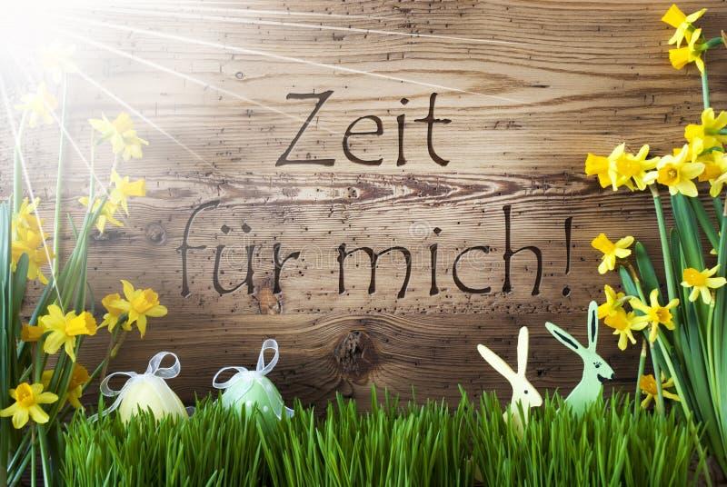 Sunny Easter Decoration Zeit Fuer Mich hjälpmedel Tid för mig royaltyfri foto