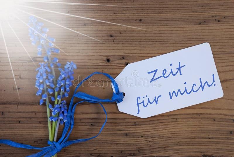Sunny Hyacinth etikett, Zeit Fuer Mich hjälpmedel Tid för mig fotografering för bildbyråer