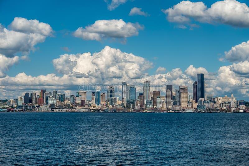 Sunny Seattle Skyline immagine stock libera da diritti