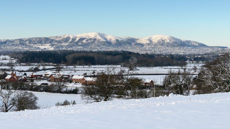 Sunny Snowy-landschap in Worcestershire, Engeland stock fotografie