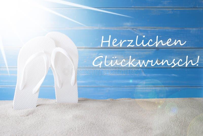 Sunny Summer Background, Herzlichen Glueckwunsch significa felicitações imagem de stock royalty free