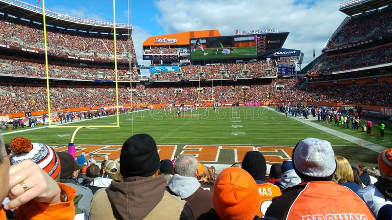 A sunny Sunday of Browns` fans at First Energy Stadium in Cleveland, Ohio. FirstEnergy Stadium, officially FirstEnergy Stadium, Home of the Cleveland Browns, is stock images