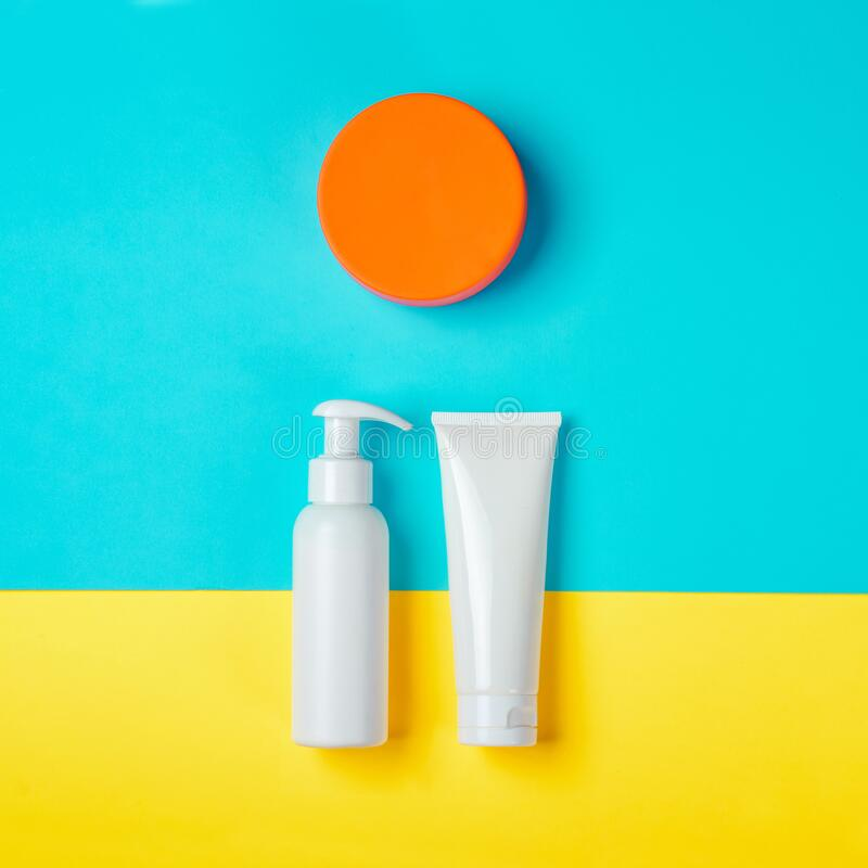 Free Sunprotection Products, Sanscreen. Minimal Concept Of Summer Vacation, Tanning. Natural Cosmetics, Cream With SPF Stock Photos - 174264453