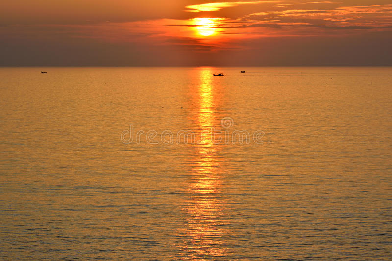 Download Sunraise on sea stock photo. Image of pattern, nature - 33033476