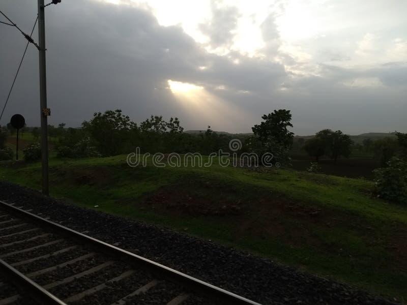 Sunrays chmur Dżdżysta pogoda obraz royalty free