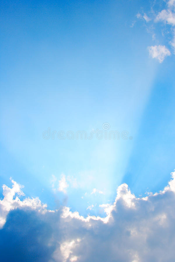 Free Sunrays Vertical Royalty Free Stock Photo - 11258715