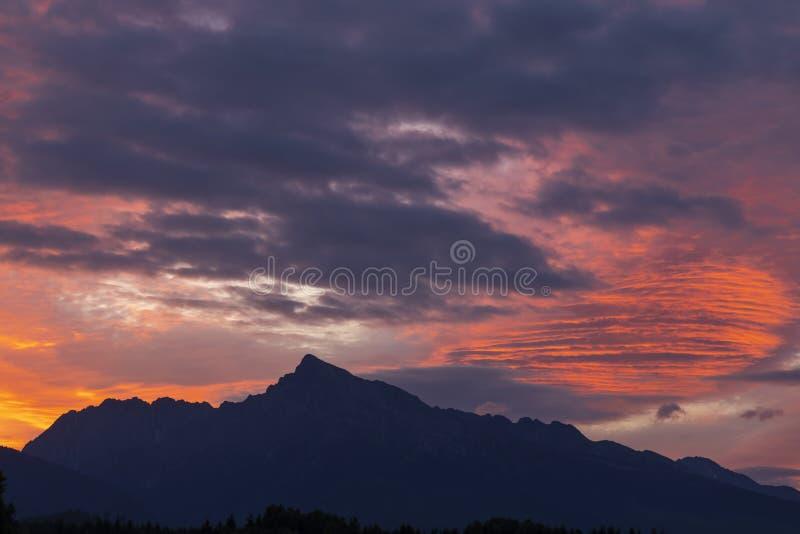 Sunrice with Krivan, Hight Tatras, Slowakije royalty-vrije stock fotografie