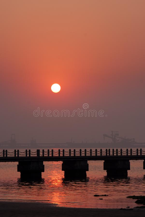 Download Sunrise Beach stock photo. Image of color, dawn, outside - 20915034