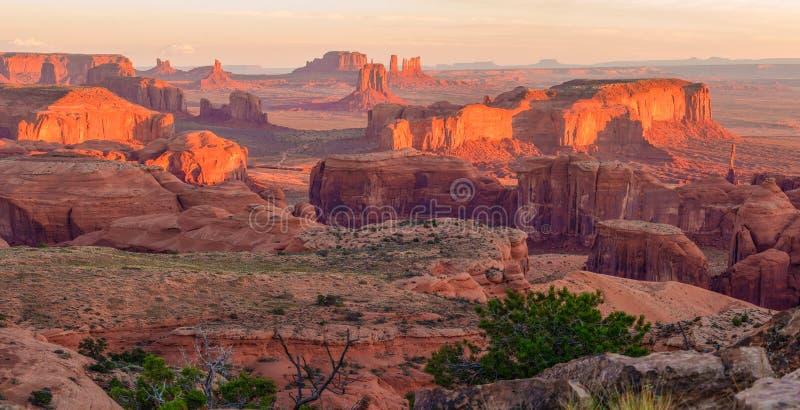 Sunrise at Hunts Mesa viewpoint. View from Hunts Mesa, Monument Valley, Arizona stock photo