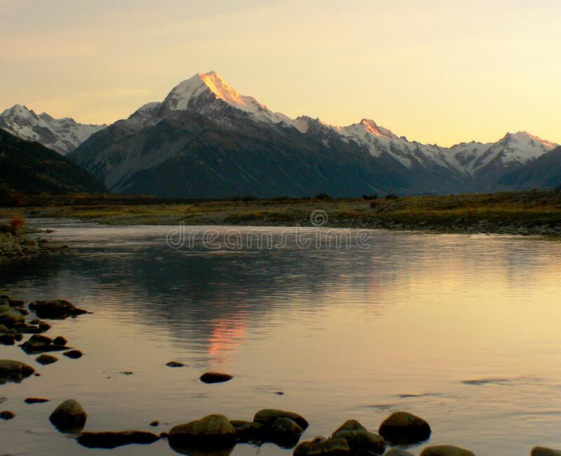 Sunrise Mount Cook NZ. royalty free stock photography