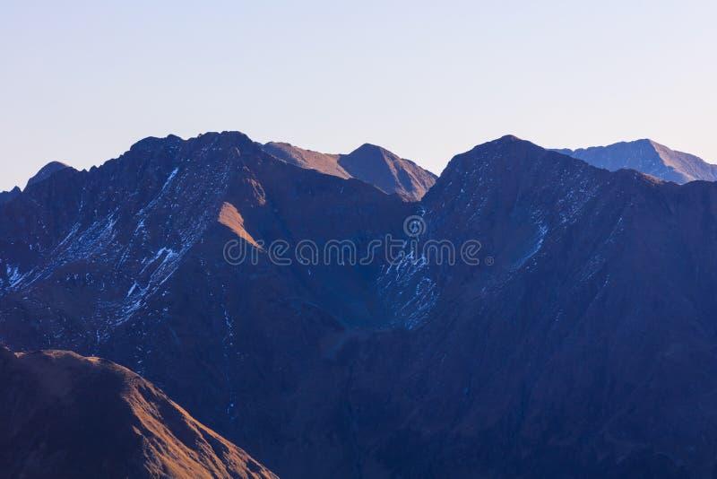Sunrise nas Montanhas Fagaras, Romênia fotos de stock royalty free