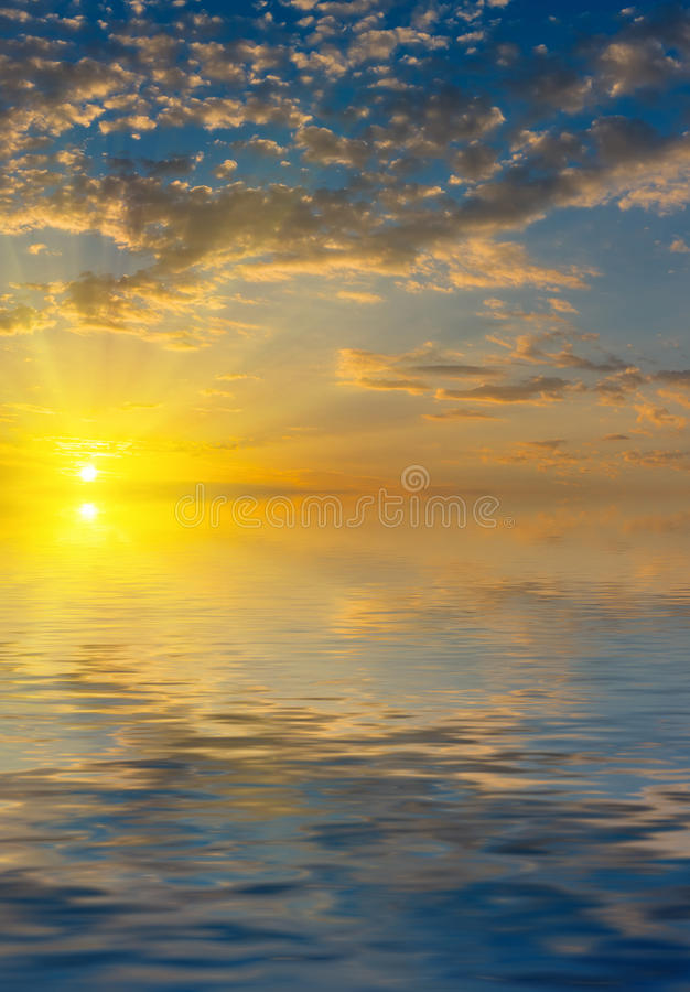 Download Sunrise With Rays Of The Sun Above The Sea Stock Image - Image: 35062125