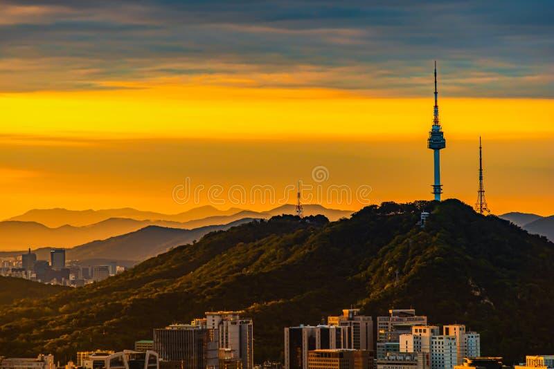 Sunrise seoul city Skyline, Viewpoint από το όρος Inwangsan Σεούλ, Νότια Κορέα στοκ εικόνες