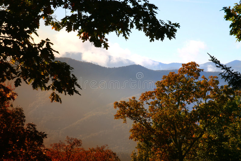 Download Sunrise In The Smokey Mountain Stock Image - Image: 1373041