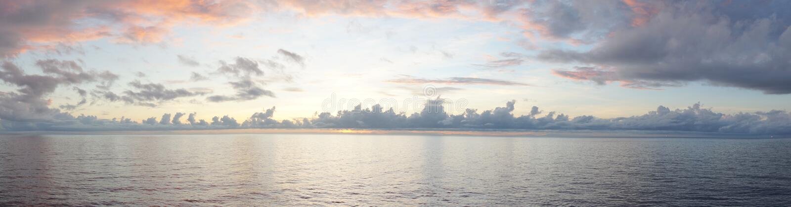 Download Sunrise View On The Middle Of Sea Stock Photo - Image: 36714442