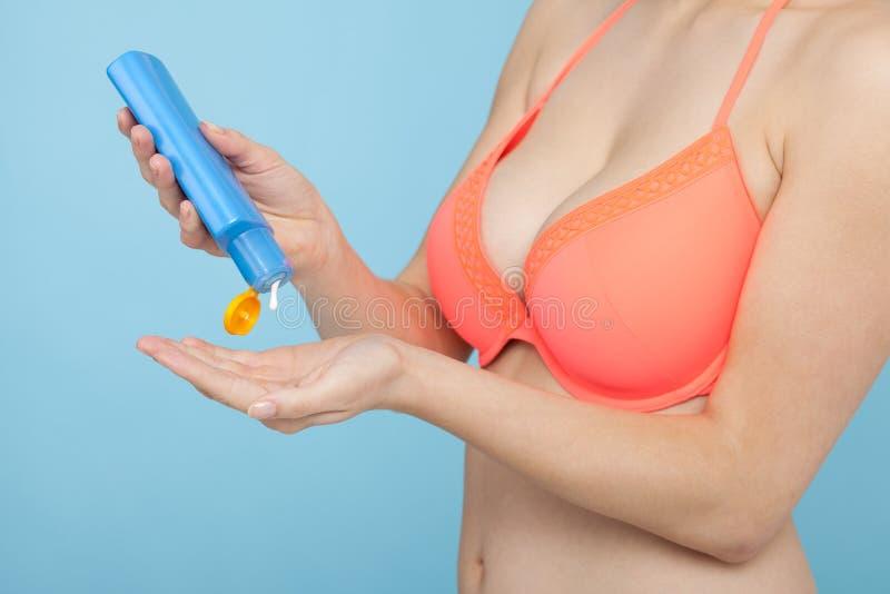 Sunscreen, κρέμα ήλιων στοκ φωτογραφία με δικαίωμα ελεύθερης χρήσης