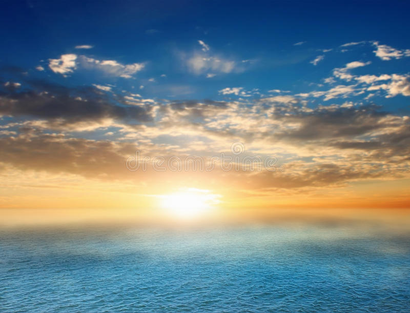 Download Sunsen im Meer stockfoto. Bild von ozean, blau, nave - 27727994