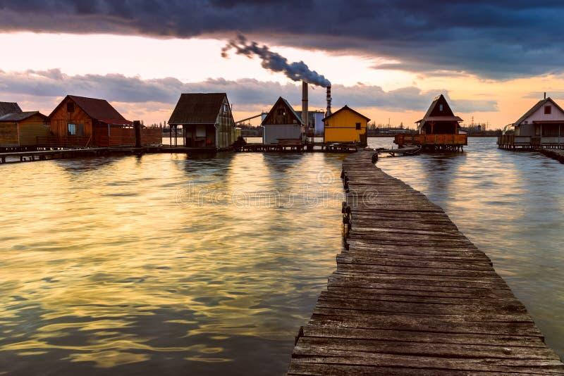 Sunset湖Bokod 库存图片