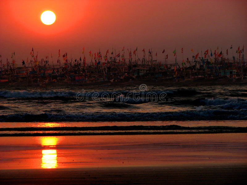 Download Sunset Boats Royalty Free Stock Photography - Image: 3145787