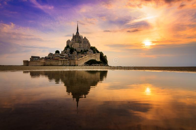 Sunset colors at Le Mont Saint-Michel stock images