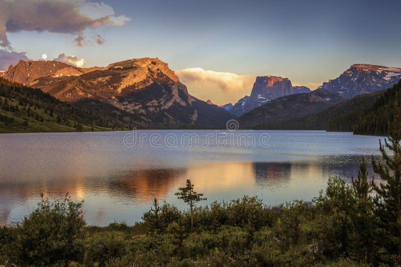 Sunset Colors on White Rock and Square Top Mountains above the Green River Lakes royalty free stock images