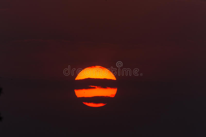 Download Sunset Glow Horizontal Cloud Lines Royalty Free Stock Images - Image: 26385769