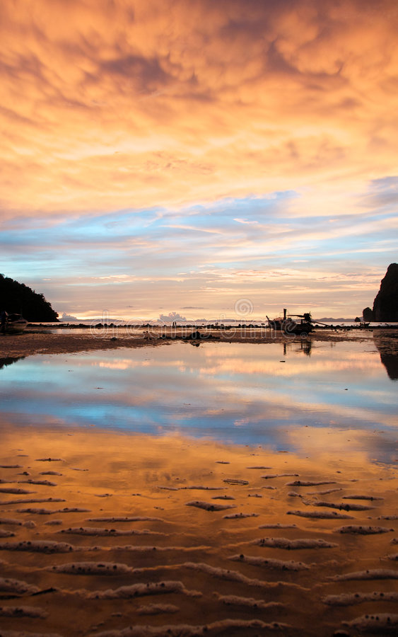 Sunset on Ko Phi Phi royalty free stock photos