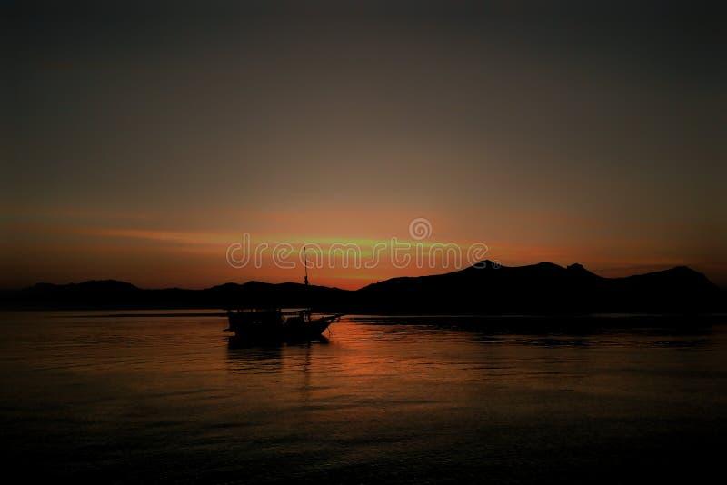 Sunset in Labuan Bajo Flores Indonesia August 2019 fotografering för bildbyråer