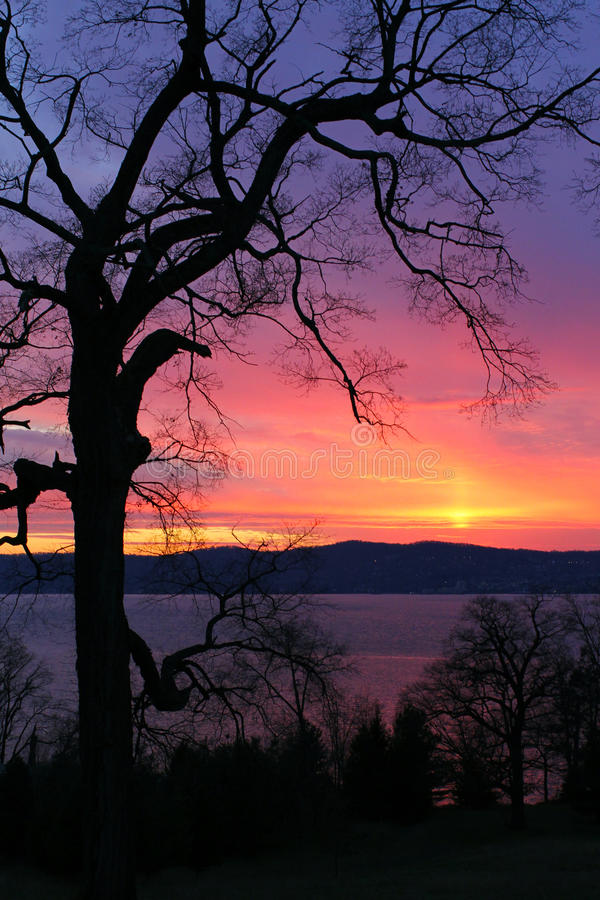 Free Sunset Over Hudson Royalty Free Stock Images - 23054579