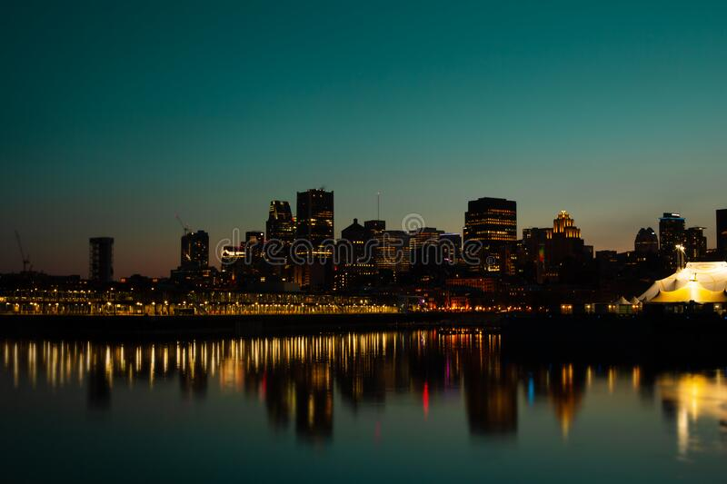 Sunset over Montreal in Canada stock afbeelding