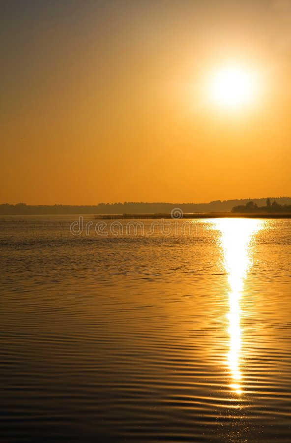 Free Sunset Over Water Royalty Free Stock Image - 5410836