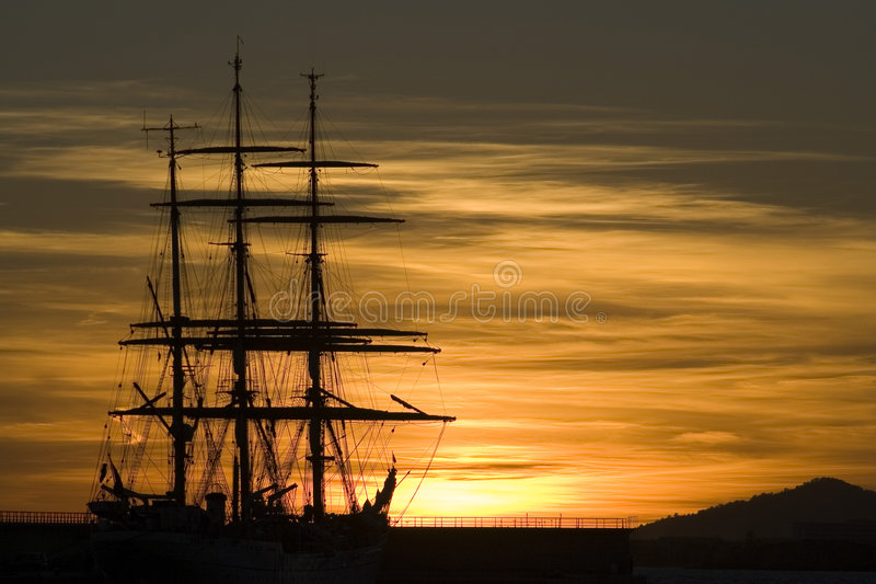 Sunset sailboat sillouette 01 royalty free stock photography