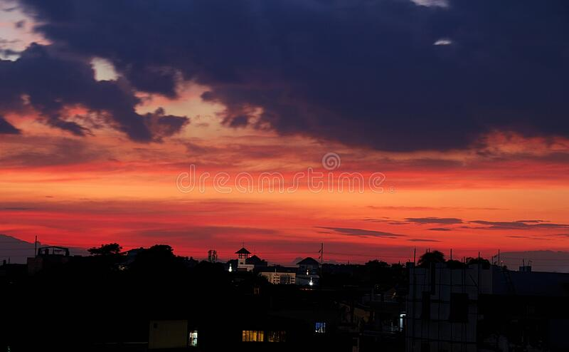 Sunset Shilouette Orange sky royaltyfri bild