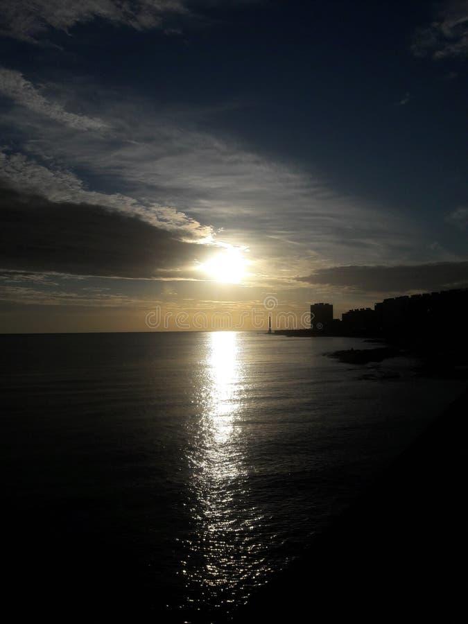 Sunset sobre o oceano Montevideo Uruguai fotografia de stock royalty free
