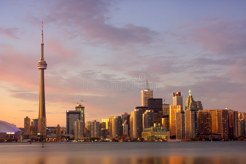 Sunset_Toronto_view du lac photographie stock