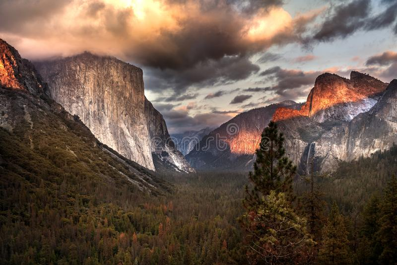 Sunset at the Tunnel View. Yosemite, Ca stock photography