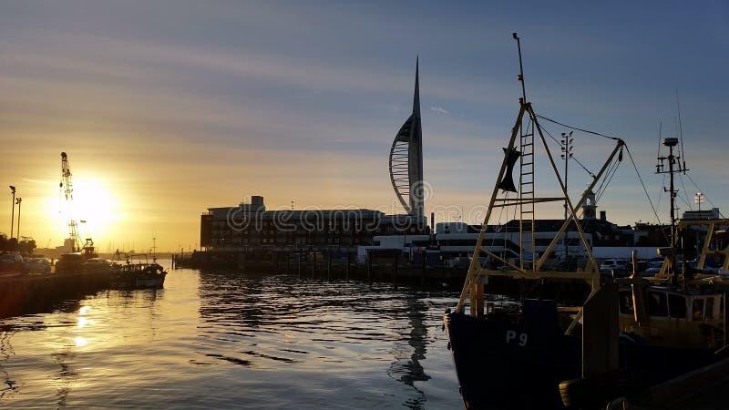 Sunseting au-dessus de vieux Portsmouth image libre de droits