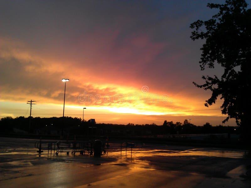 Sunsets ή ανατολή η ημέρα στη μεταμφίεση στοκ εικόνες με δικαίωμα ελεύθερης χρήσης
