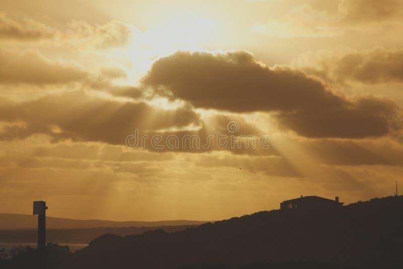 Sunsets op landelijk huis royalty-vrije stock fotografie