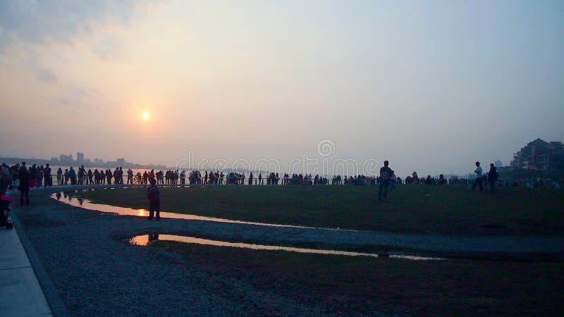 Sunsetting на shui Tamtshui Тайбэе dan, Тайване стоковые фото